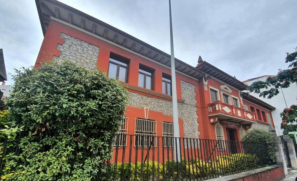 El Ayuntamiento de Torrelavega da los primeros pasos para rehabilitar el edificio de la Cámara de Comercio