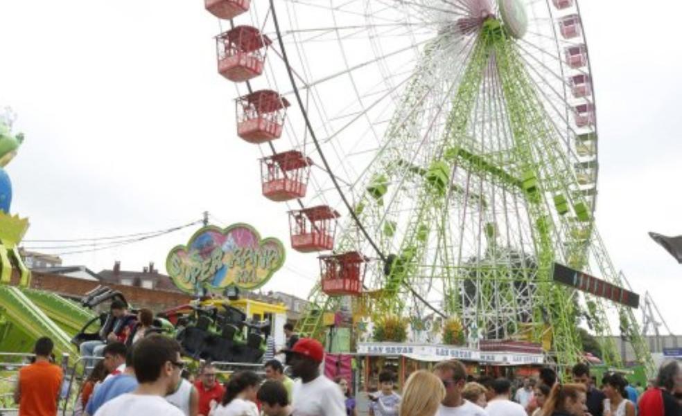 Una noria gigante de 40 metros se une al programa de fiestas de La Patrona
