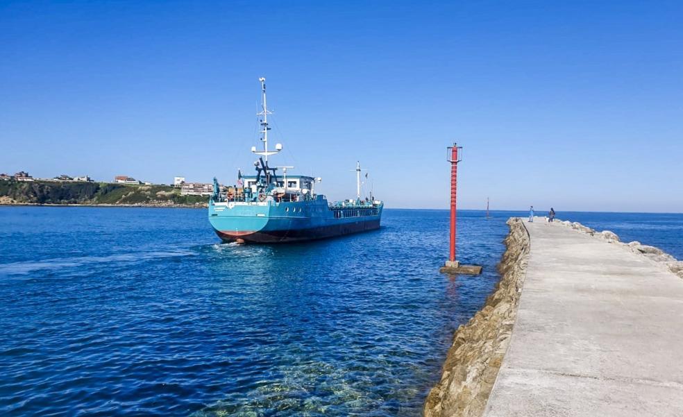 La inoperatividad del puerto de Requejada queda en entredicho tras la estancia de la Naumón