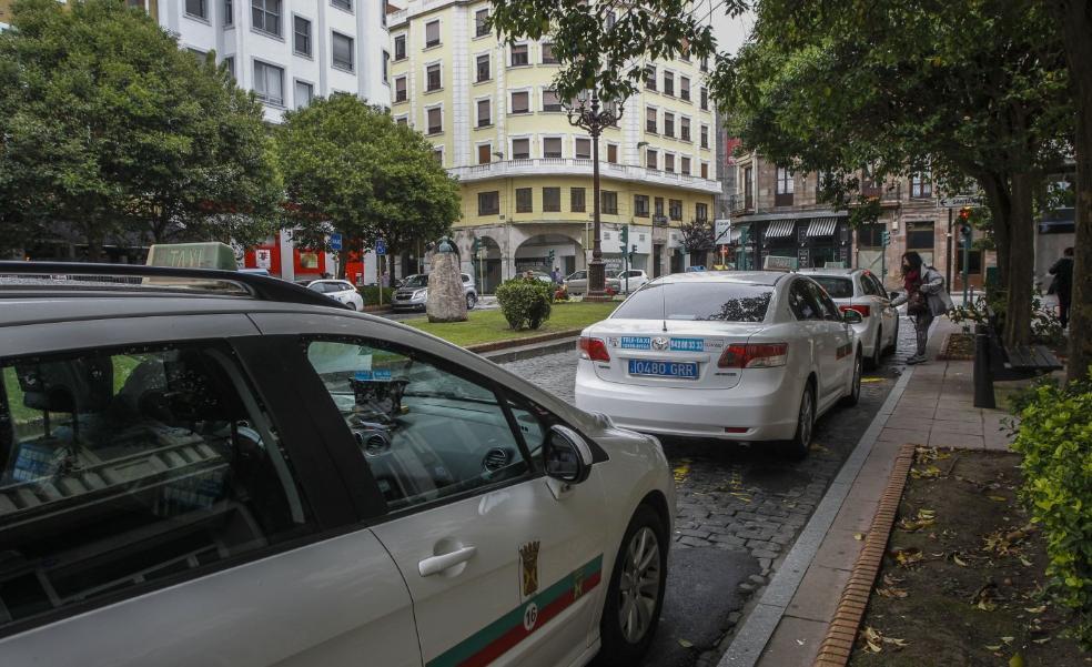 Cinco municipios se unen para mejorar el servicio de taxi en la comarca del Besaya
