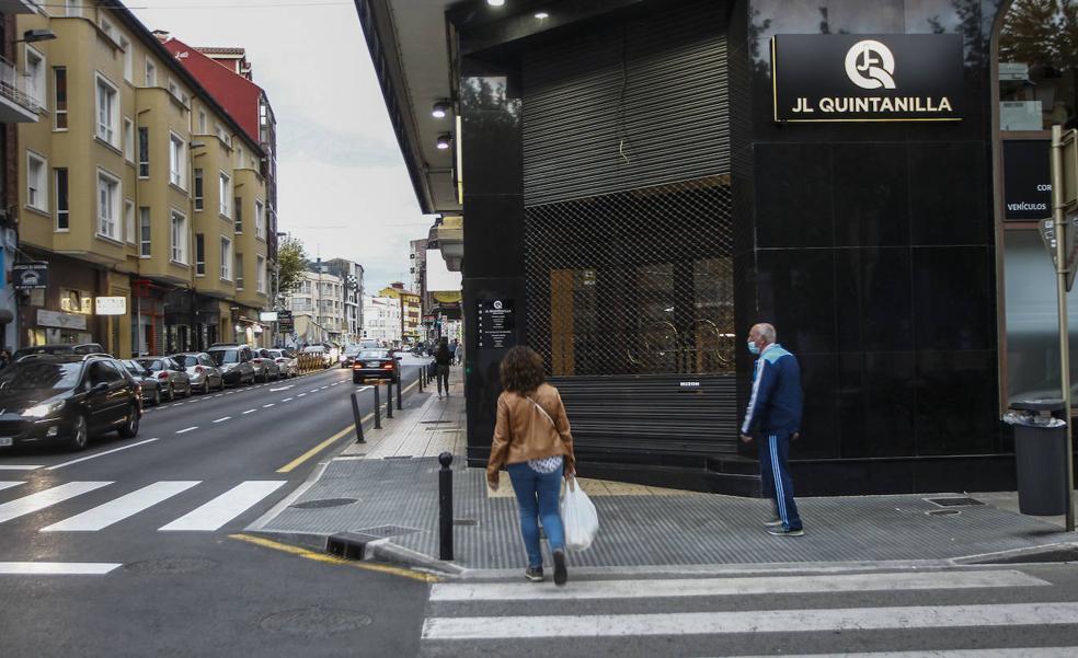 La Policía requisa documentación y ordenadores vinculados al empresario José Luis Quintanilla