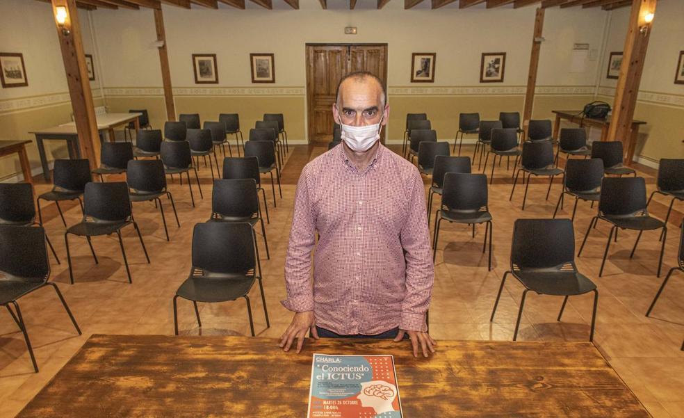 Charla sobre el ictus, los factores de riesgo y su prevención en la Casa de Cultura de Puente San Miguel