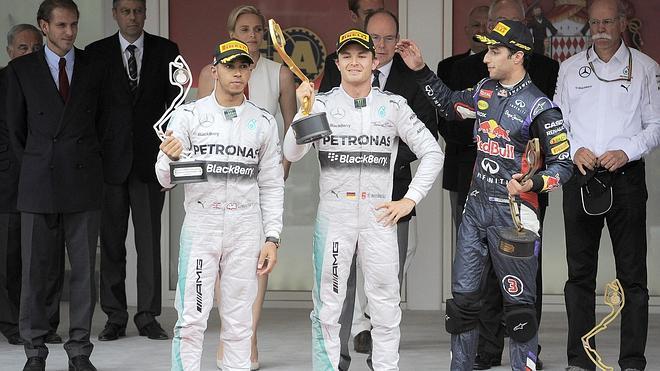 Guerra abierta entre Rosberg y Hamilton