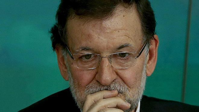Rehn avala el plan de estímulo anunciado por Rajoy pero pide más reformas en el mercado laboral