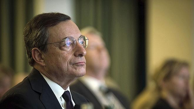 La inflación en la eurozona cae dos décimas en mayo y presiona al BCE