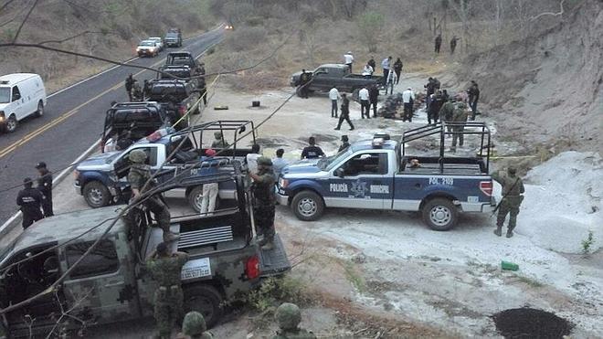 Hallan una docena de cadáveres con signos de tortura en México