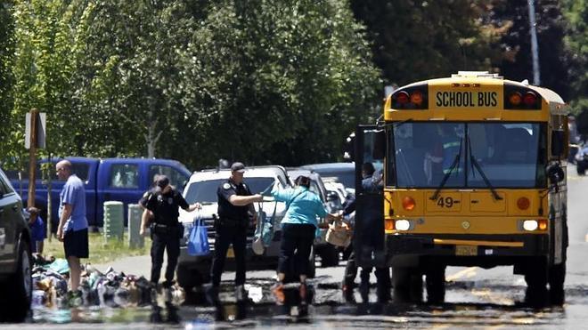 Dos muertos y varios heridos en un tiroteo en un instituto de secundaria en Oregón