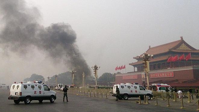 Tres condenados a muerte por el atentado suicida en la plaza de Tiananmen