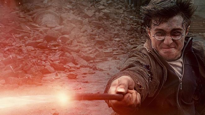 Harry Potter regresa peinando canas