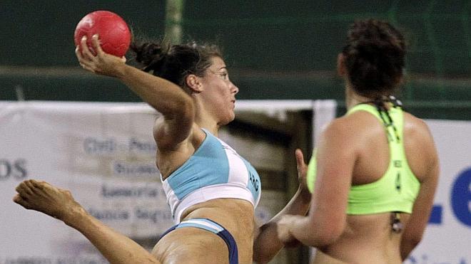 Las jugadoras de balonmano playa podrán elegir uniforme