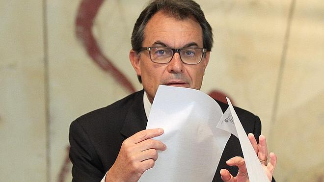 Mas pide a los catalanes «fuerza de carácter» para «superar pruebas como el 'caso Pujol'»