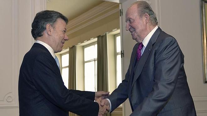 El rey Juan Carlos expresa a Santos su apoyo en el proceso de paz con las FARC