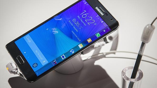 Samsung pone en juego un Note curvo y unas gafas de realidad virtual