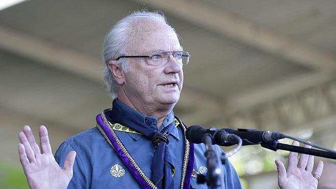 El rey de Suecia, ileso tras un accidente de tráfico