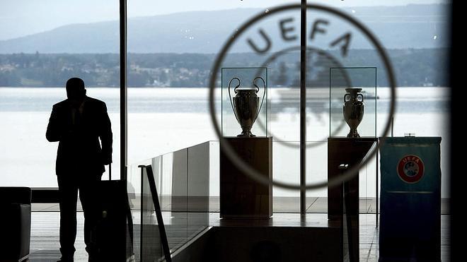 La UEFA, harta de FIFA por los fondos de inversión