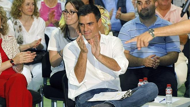 Sánchez promete subir el salario de los docentes e implantar un 'MIR educativo'