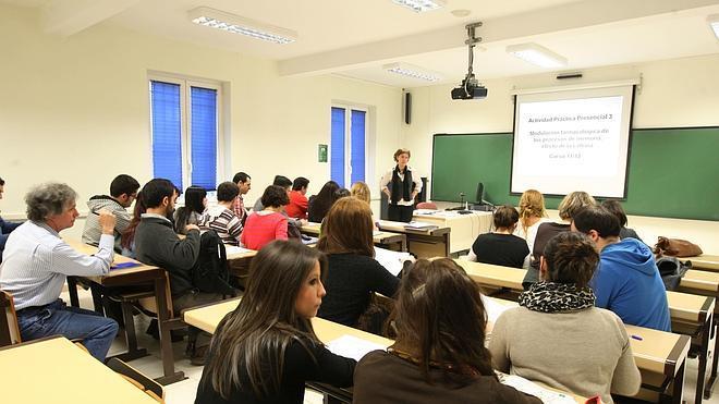 El 27% de los universitarios españoles recibe algún tipo de ayuda económica