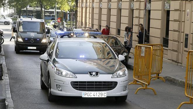 La Guardia Civil detiene a uno de sus agentes por el chivatazo a Granados