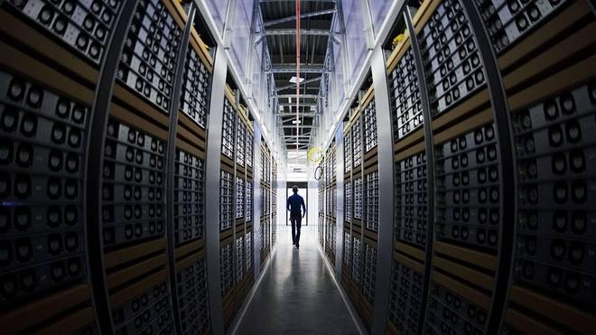 Facebook se sumerge en las profundidades de internet