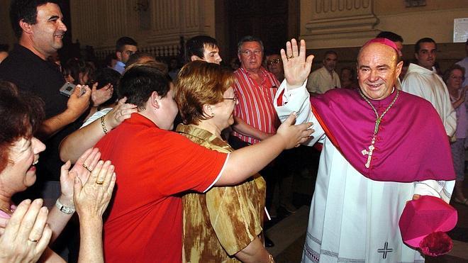 El Vaticano fuerza la dimisión del arzobispo de Zaragoza por un escándalo económico