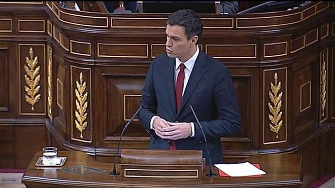 Sánchez echa en cara al PP la caja 'b': «Ustedes no son de fiar»