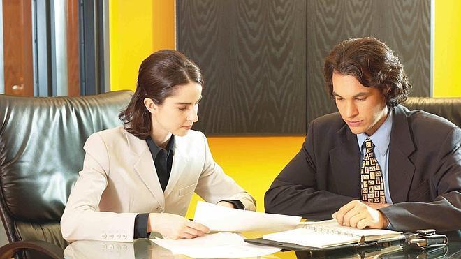 Casi dos de cada tres directivas denuncia discriminación salarial