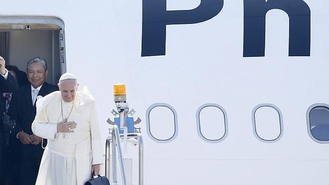 El avión del Papa despega de Filipinas y pone fin a su segunda gira asiática