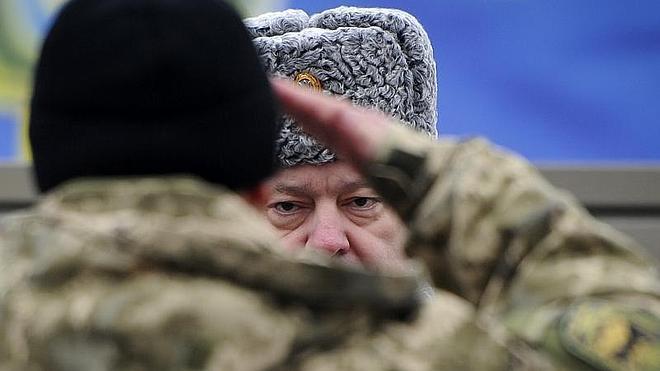 Poroshenko pide no hacerse ilusiones sobre el cumplimiento de acuerdos de paz