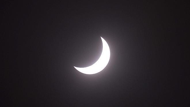 El eclipse pone a prueba la red eléctrica europea