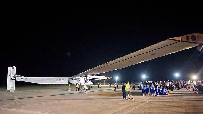 El Solar Impulse 2 completa la cuarta etapa en tiempo récord