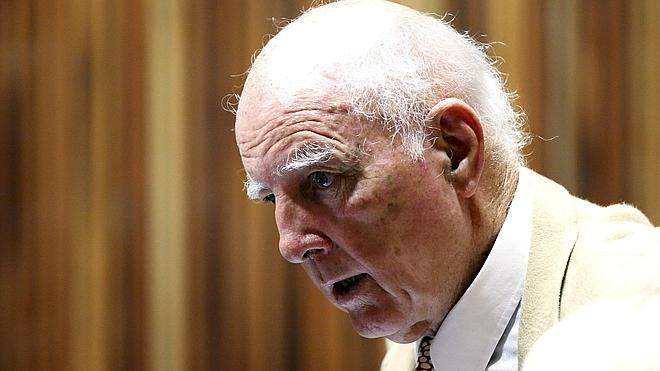 El extenista Bob Hewitt, culpable de violar a alumnas adolescentes