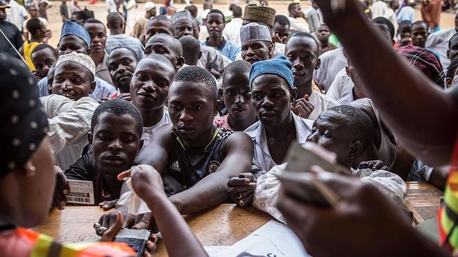 Nigeria vota en medio de ataques yihadistas y fallos técnicos