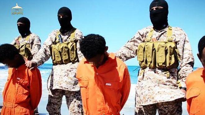 El Estado Islámico publica la ejecución de cristianos etíopes en Libia