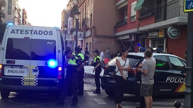 Un muerto y 16 heridos al estrellarse una moto contra la terraza de un bar