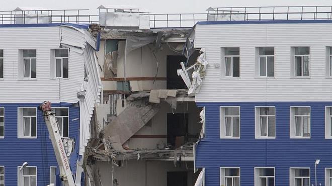 Veintitrés militares rusos mueren en el derrumbe de un edificio en Siberia
