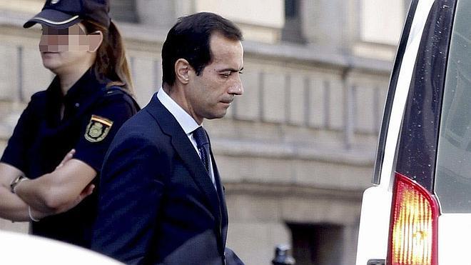 El juez de 'Púnica' retira el pasaporte al exconsejero Victoria