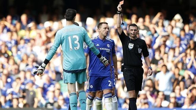 El Chelsea pincha en casa con polémica