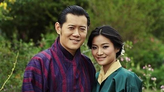 El rey de Bután, chico de calendario