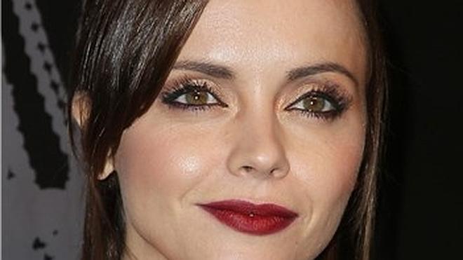 Trucos de maquillaje para ocultar defectos en tus ojos