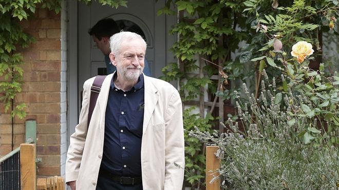 Cameron alerta de que Corbyn es «una amenaza a la seguridad nacional»
