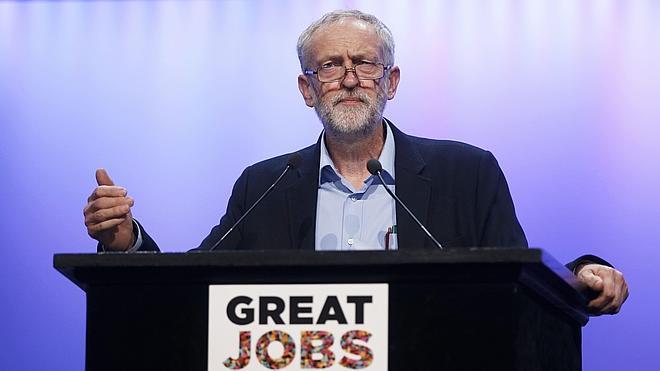 Corbyn compara la política sindical de Cameron con la de Franco
