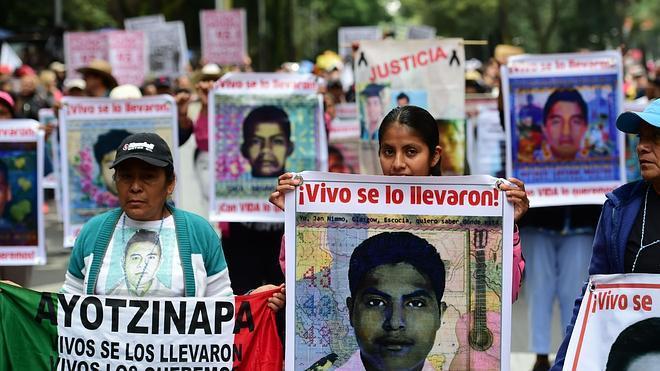 México conmemora el primer aniversario de la desaparición de los 43 estudiantes