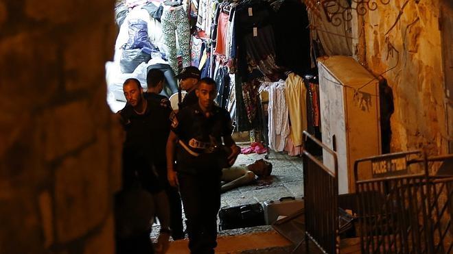 Dos israelíes muertos y tres heridos en un ataque palestino en Jerusalén