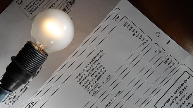 El recibo de luz sube un 1,7% en octubre tras dos meses a la baja