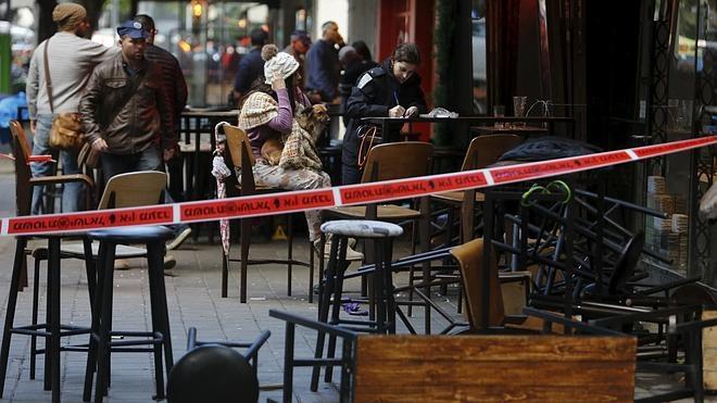 Al menos dos muertos en un tiroteo en un bar de Tel Aviv