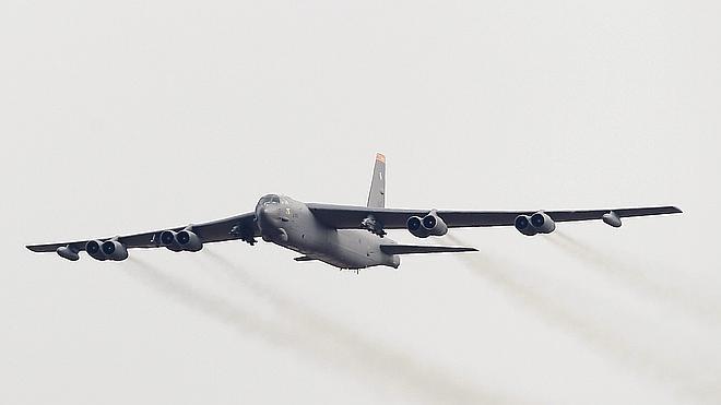 EE UU despliega un B-52 sobre la península coreana tras el test nuclear