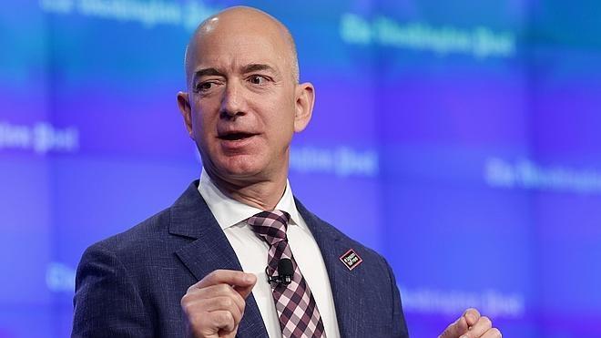 Amazon abandona los 'números rojos' y gana 546 millones en 2015