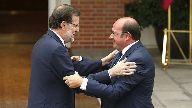 Rajoy, sobre el presidente de Murcia: «Quienes cometan actos contrarios a la ley serán apartados del partido»