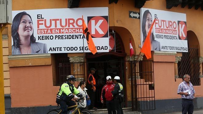 Fujimori y Kuczynski llegan empatados al duelo por la presidencia de Perú