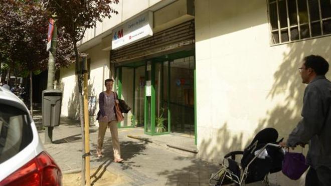 El Ayuntamiento de Madrid multa a un bebé por «tirar» una receta médica al suelo